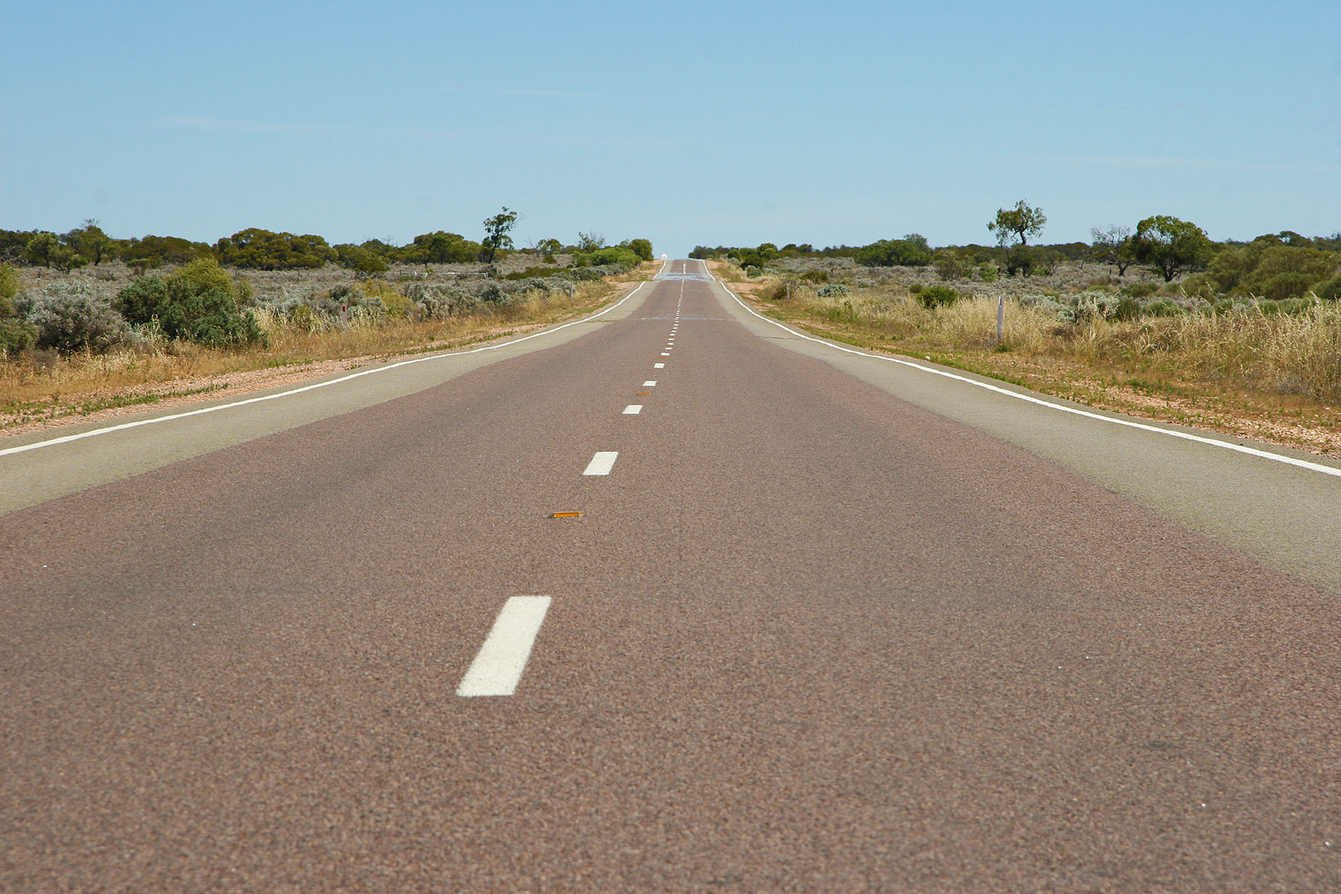 Eyre Highway's odd colours.