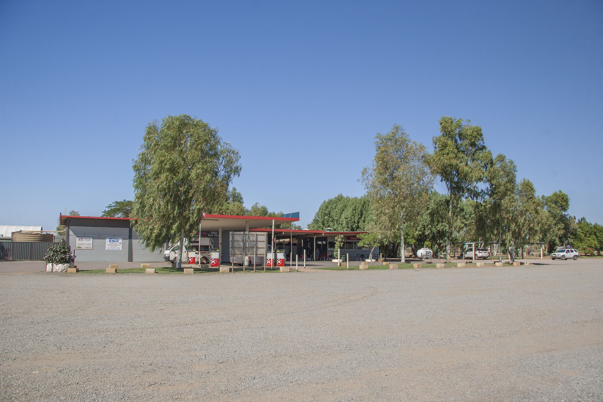 A typical roadhouse (this one is Minilya).